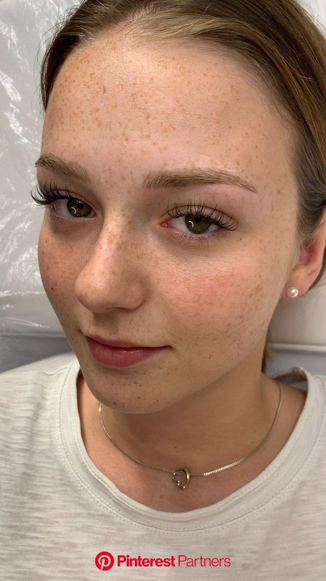 Microblading ist die feinste Härchenzeichnung im Permanent Make up, selbst nach nur 1 Jahr sieht es sehr natü… [Video] | Microblading, Make up artist