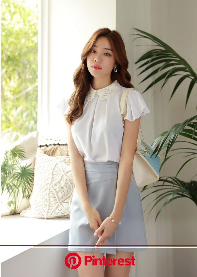 レースネックひらひらスリーブブラウス | 韓国の女の子のファッション, ファッションフォトグラフィー, 上品なファッション