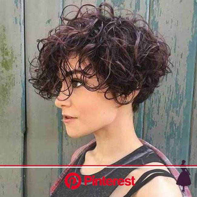 Looks con pelo corto para mujer   Rulos en cabello corto, Peinados pelo corto, Pelo corto despeinado