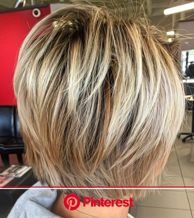 Out of a plethora of shag haircuts to choose from, here's one that's great for working women in prof… | Short shag hairstyles, Thick hair styles, Medi