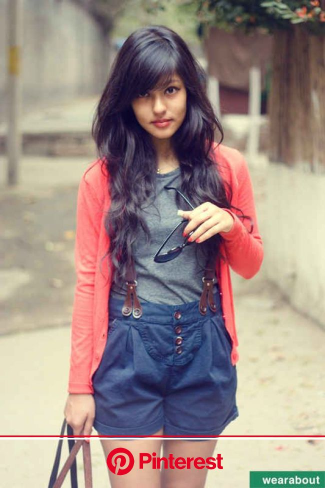 30 Incredibly Chic Street-Style Photos From India | Black wavy hair, Style, Long hair styles