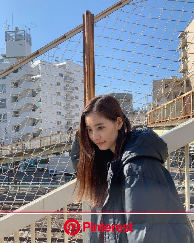 @新木優子: ともちゃんが一生懸命ピントを合わせている様子︎ ともちゃんいつもありがとう @tomoe_nakayama ちなみにこの時のワンピースは大好きな @sly… | 新木優子, あらきゆうこ, 女優