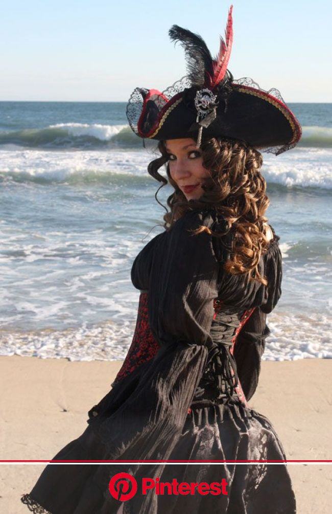 Pin by Crystal Page on Photoshoot Ideas | Steampunk pirate, Pirate woman, Steampunk pirate costume
