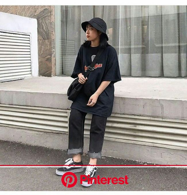 Pin by annie l. ; 해인 on kclothes • 옷 in 2020 | Korean streetwear, Retro outfits, Cute casual outfits