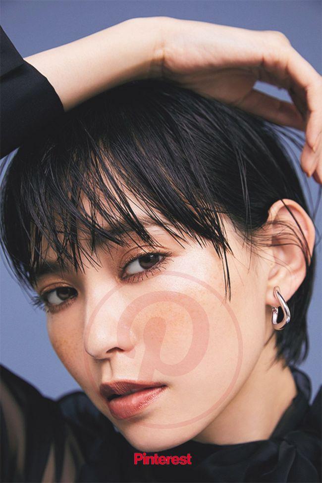ete×otona MUSE 12月号|HUG EARRING | Ete イヤリング, 黒髪メイク, 黒髪