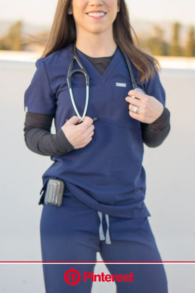 FIGS Scrubs Review | Nurse outfit scrubs, Medical assistant scrubs, Scrubs outfit